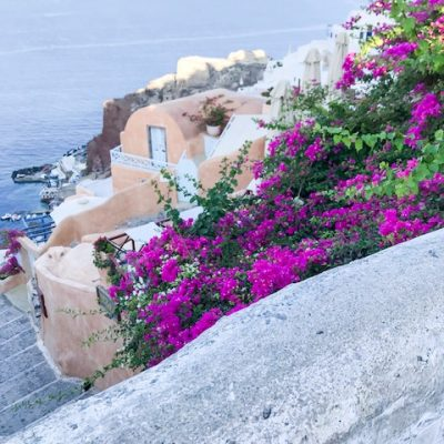 Santorini Travel Guide: Tips for First Time Travelers