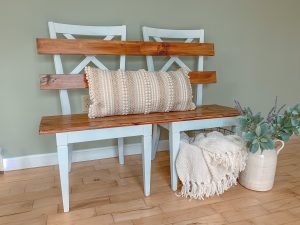 Finshed DIY Mudroom Bench