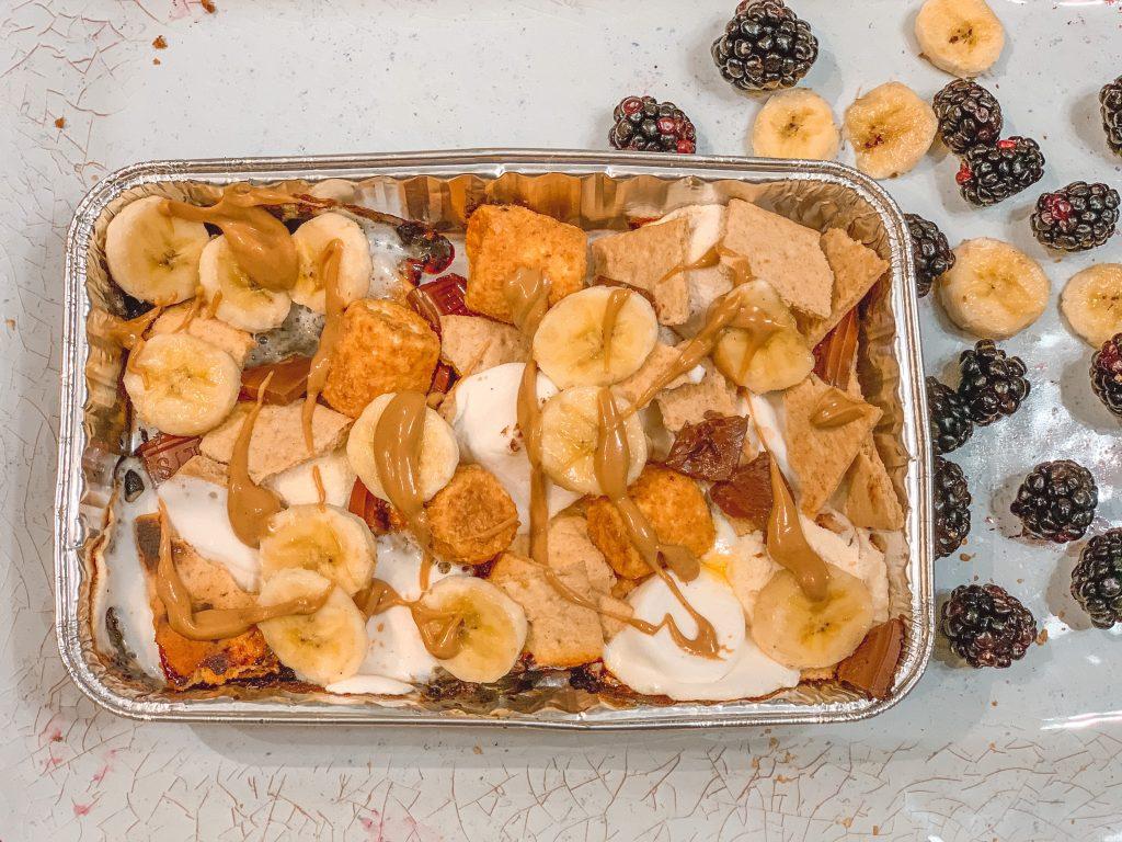 campfire nachos- best camping dessert recipe