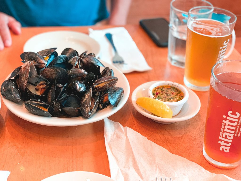 mussels and atlantic brewing company beer