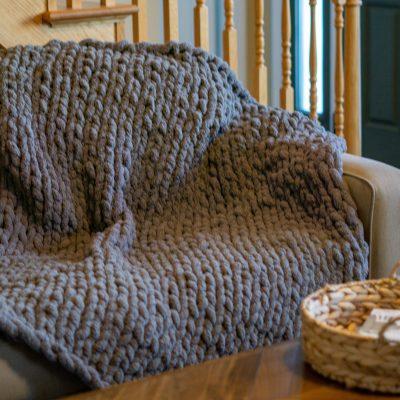 DIY Chunky Knit Blanket  Step by Step Tutorial
