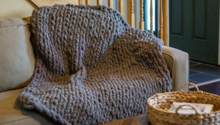 DIY Chunky Knit Blanket  Step by Step Tutorial